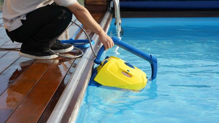 Comment entretenir sa piscine semi-enterrée ?
